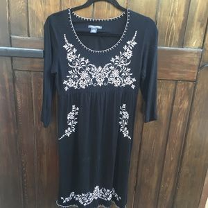 Black and White Embroidered Long Sleeve Dress